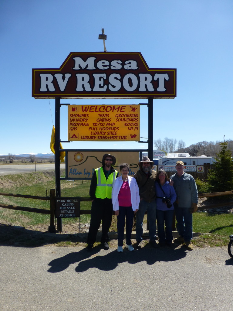 Mesa RV Resort staff (with Mike)