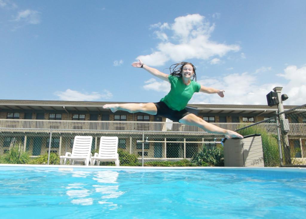 Lindsie is an acrobat